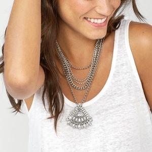 BaubleBar Vivienne Pendant Necklace